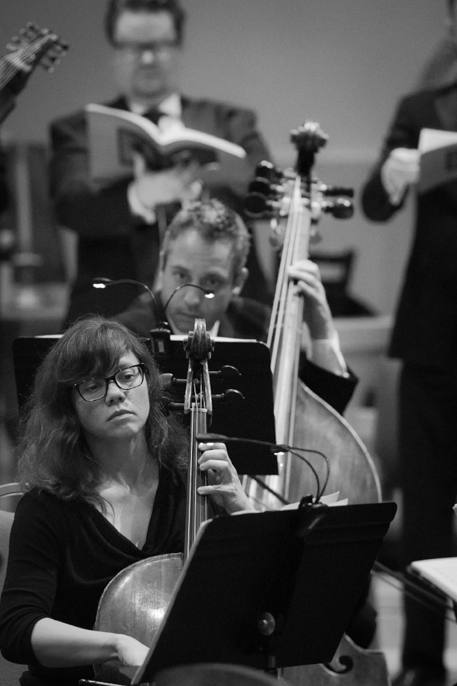 Heather Vorwerck, violoncello and Shanon Zusman, contrabass