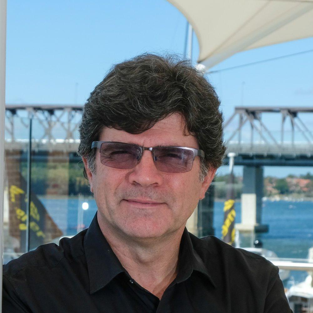 Gerardo Oiz<strong>Associate</strong>