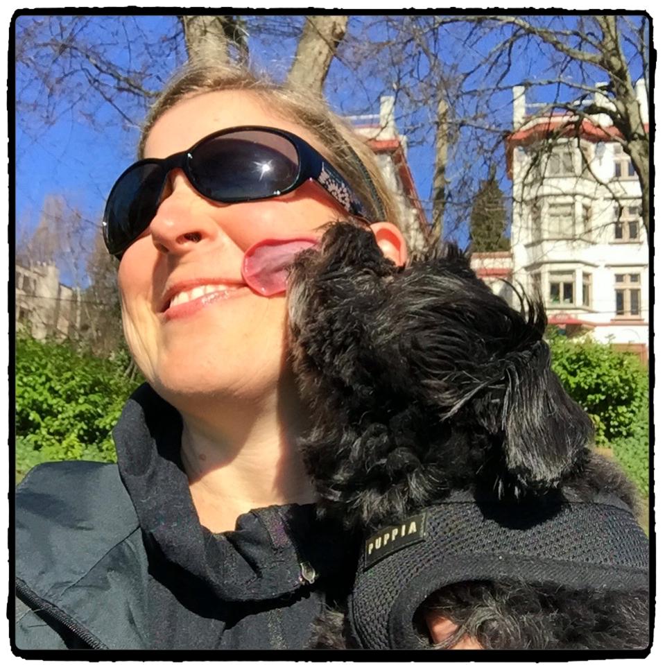 Moxie kisses!