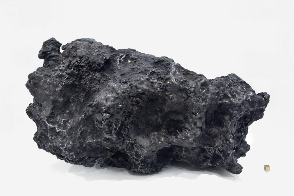 meteorito grande backLOWRES.jpg
