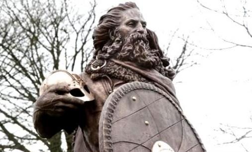 Kong Harald Hårfagre statue, haugesund, Norway