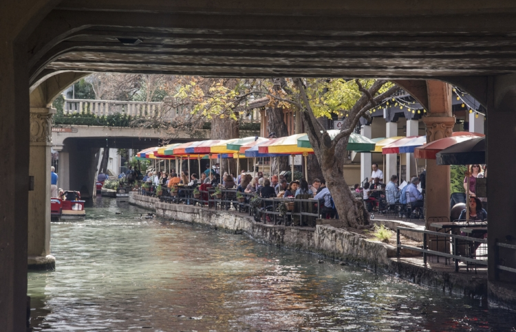 Just one of many TexMex restaurants along the Riverwalk.  We managed to have a couple of TexMex meals!