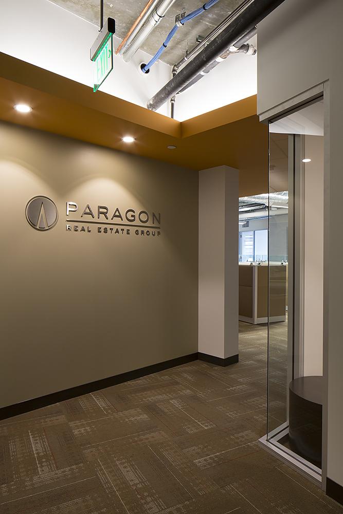 Paragon_350RI_01.jpg