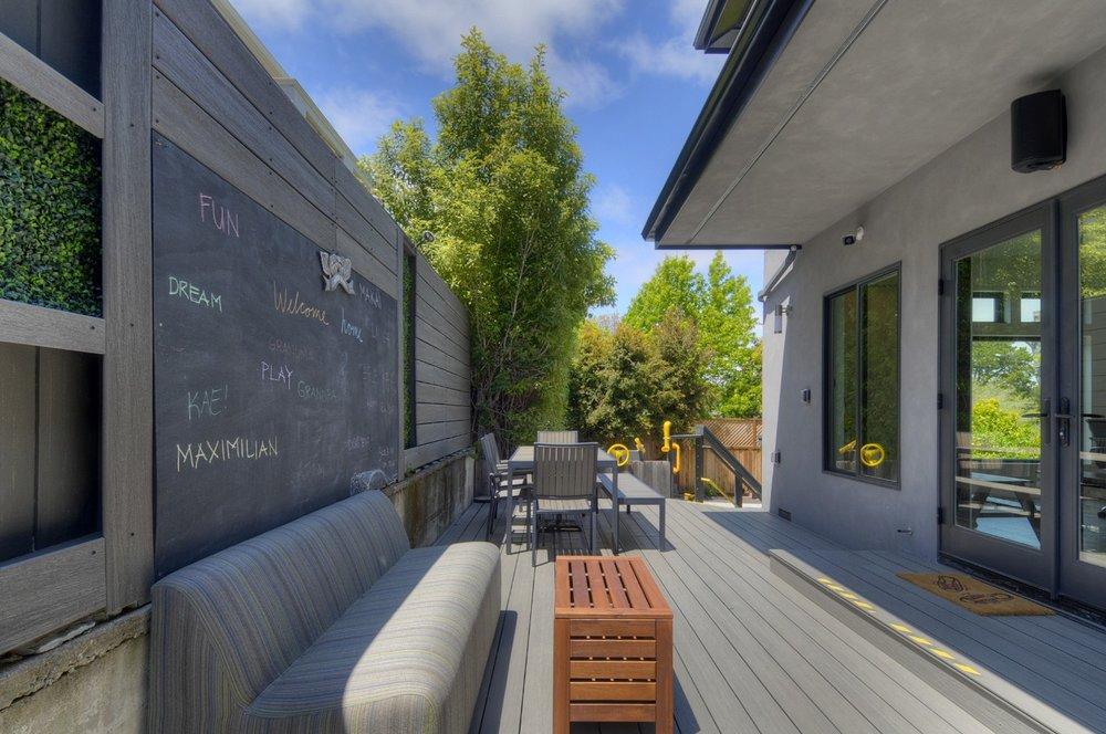 backyard1e.jpg