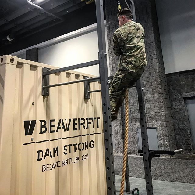 BeaverFit is at AUSA this week in Booth 1066! Come by, challenge us to a pull up contest, or ask us about our ACFT solutions! . . . #beaverfit #beaverfitusa #ausa2018 #ACFT #ropeclimb #pullups #soldier #honor #duty #preparetrainexecute