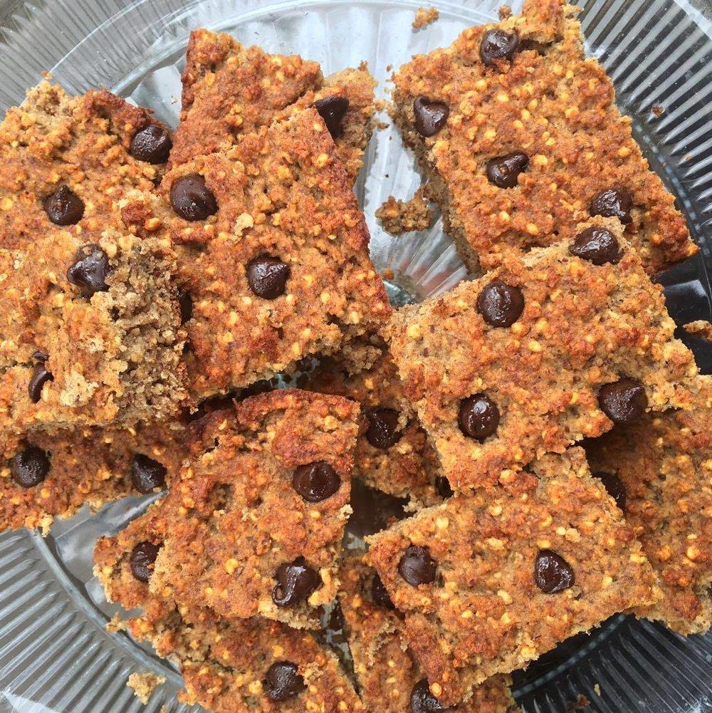 chocolate chip cookie bars vegan