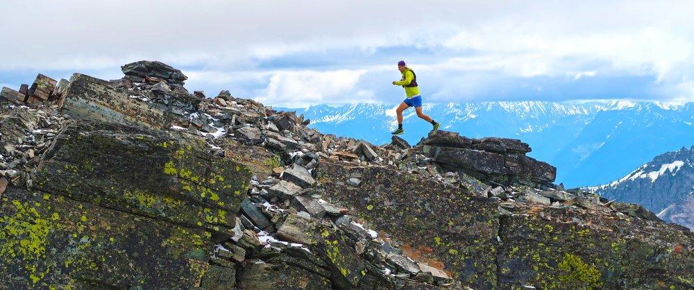 gwen running on rocks - scotchmans_9605.jpg