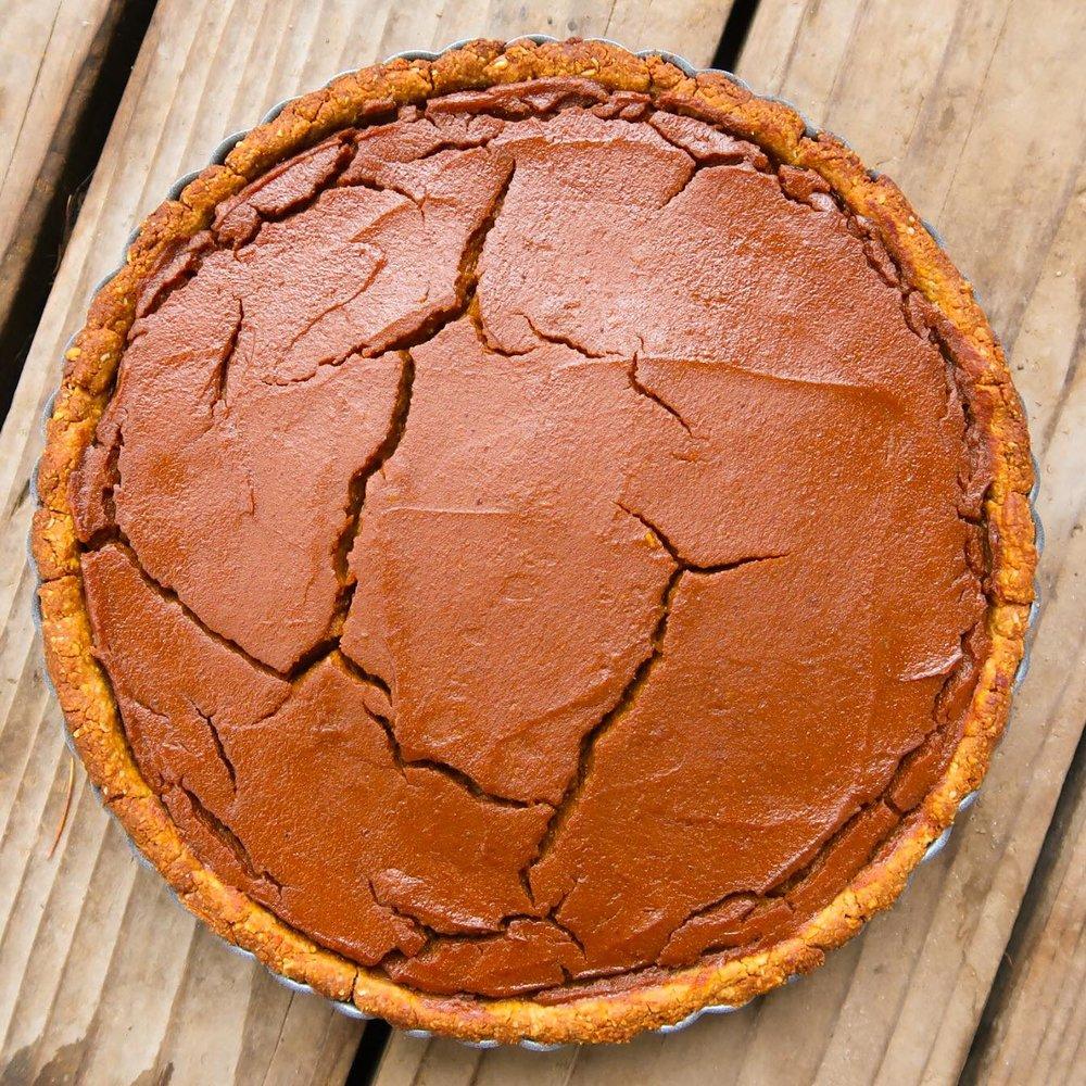 nuttzo-crust-holiday-pumpkin-sweet-potato-pie-plantpositiverunning-1.jpg