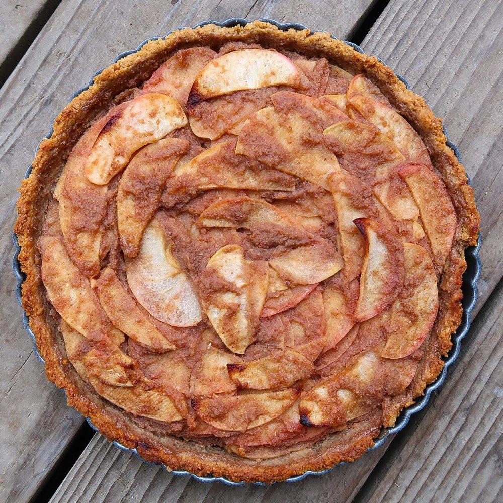 nuttzo-crust-holiday-apple-pie-plantpositiverunning-1.jpg