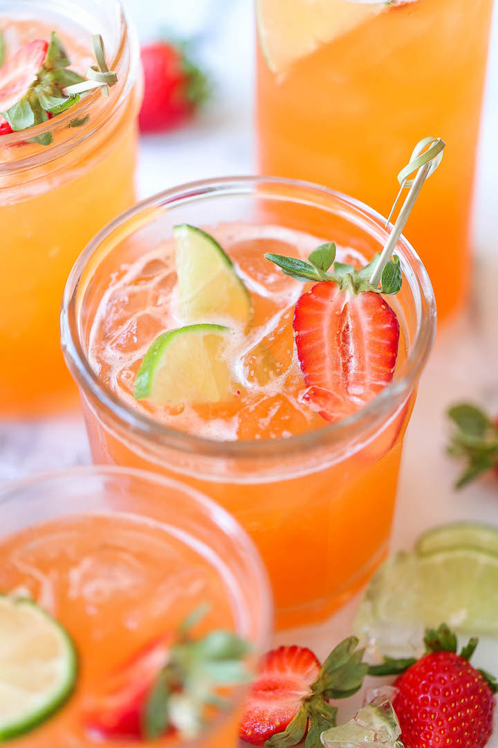 STRAWBERRY PINEAPPLE MOJITO -