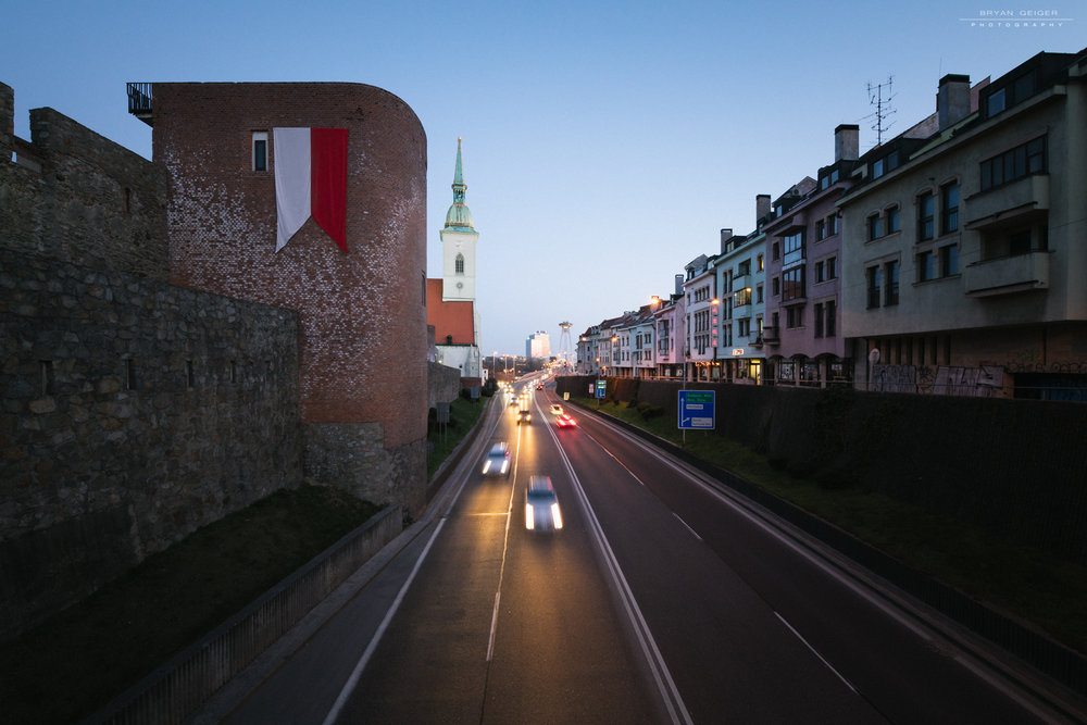 Car lights Bratislava night-3.jpg