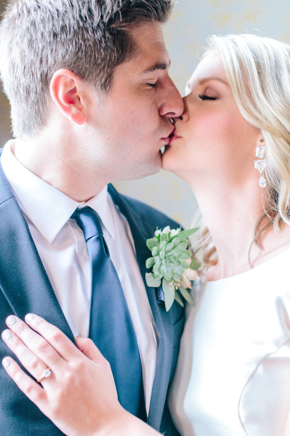 Sabrina Reis Photography | Minneapolis Photography | Barnthouse Wedding_0029.jpg