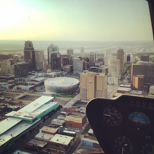 Kansas City Helicopter Tours  River's Edge Aviation  kansascity-missouri-helicopter-tours-riversedgekc-aviation