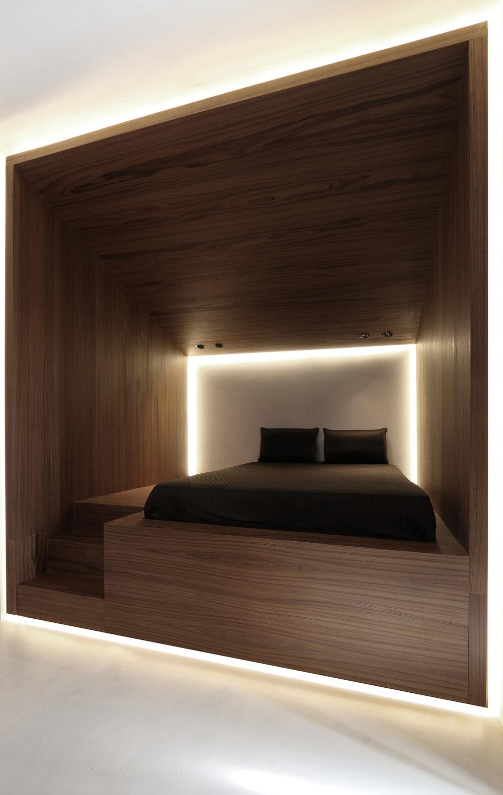 attic 03.jpg