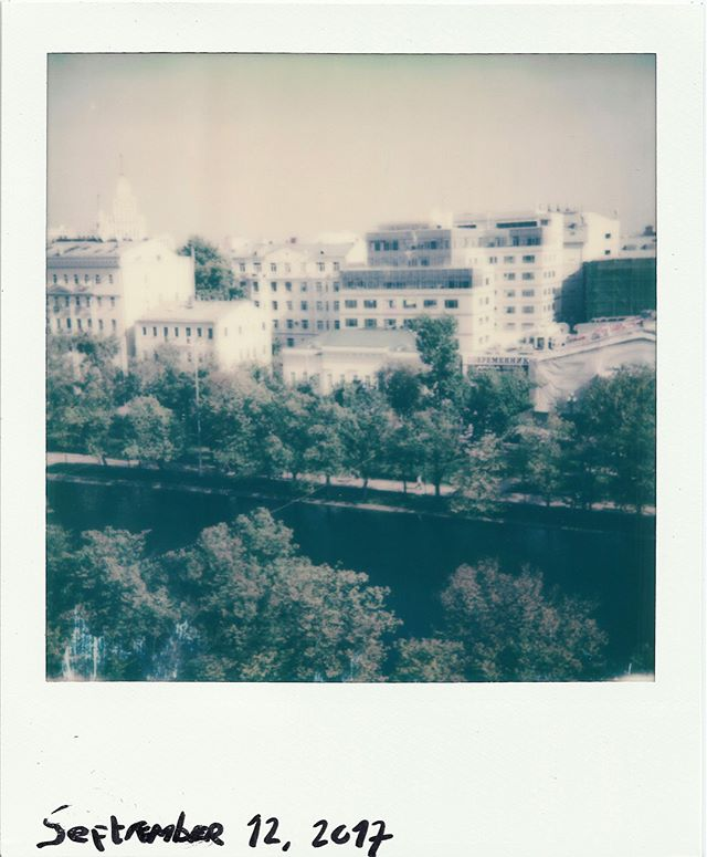 Moscow, balcony view #seasons #polaroid #балкон