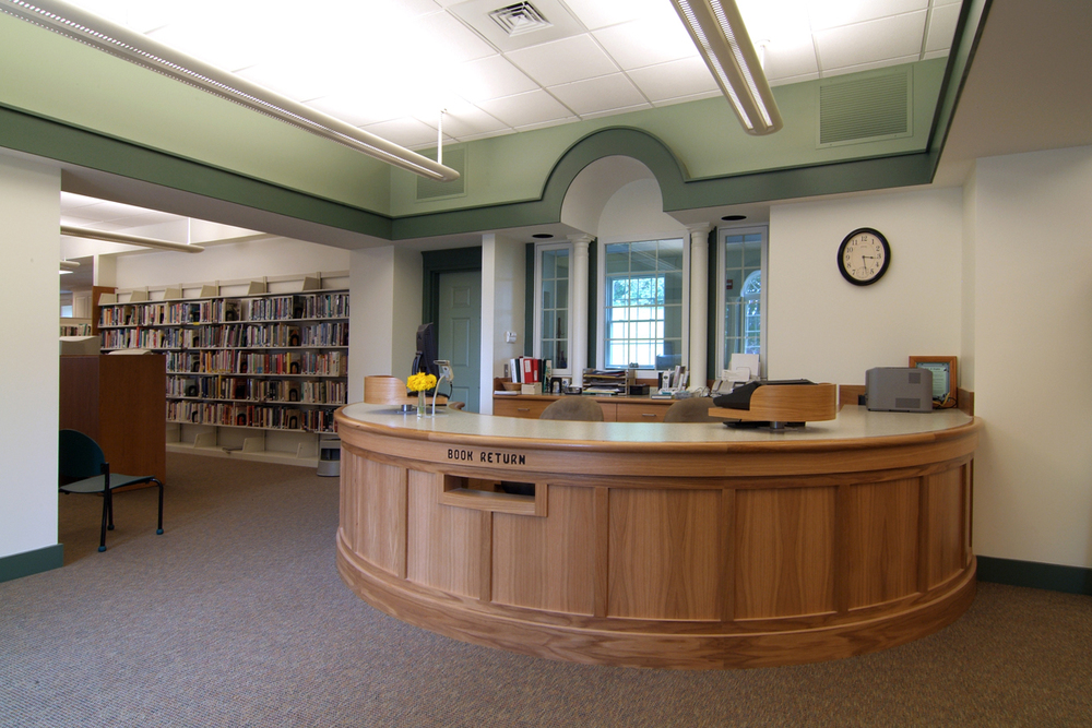 10_circulation desk and reception.jpg