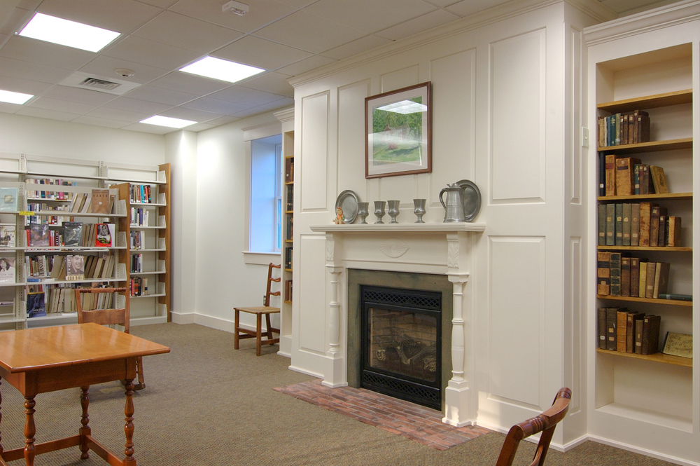 12_fireplace and reading room.jpg