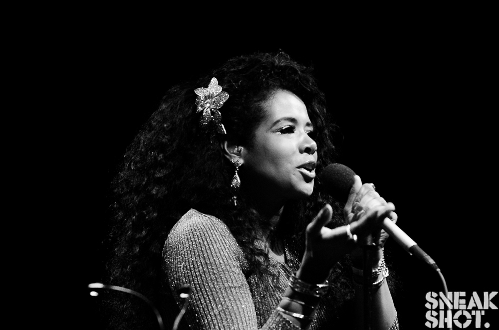 http://www.thecouchsessions.com/2014/06/live-kelis-serves-up-food-and-other-tasty-treats-at-the-930-club-dc/
