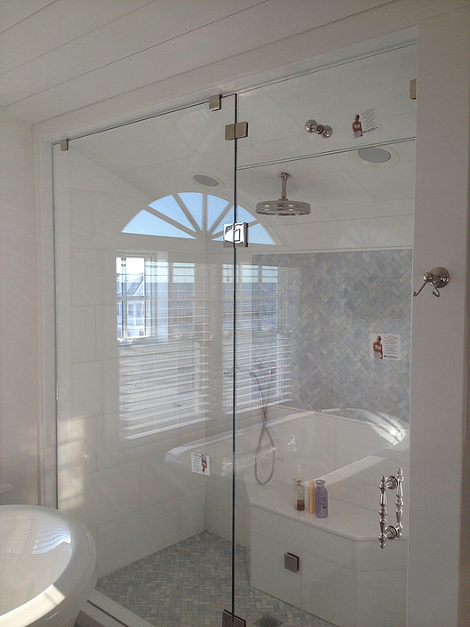 Frameless shower.jpg
