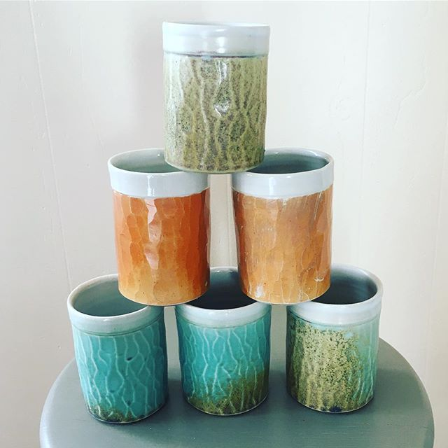 Cups on cups on cups!! Getting ready for Art on the Hill. This weekend, Fri 6-9pm, Sat 10am-5pm, & Sun 11am-2pm at the East End Community School. #artonthehill #seaportland #holidaysale #pottery #cups #tumblers #clay