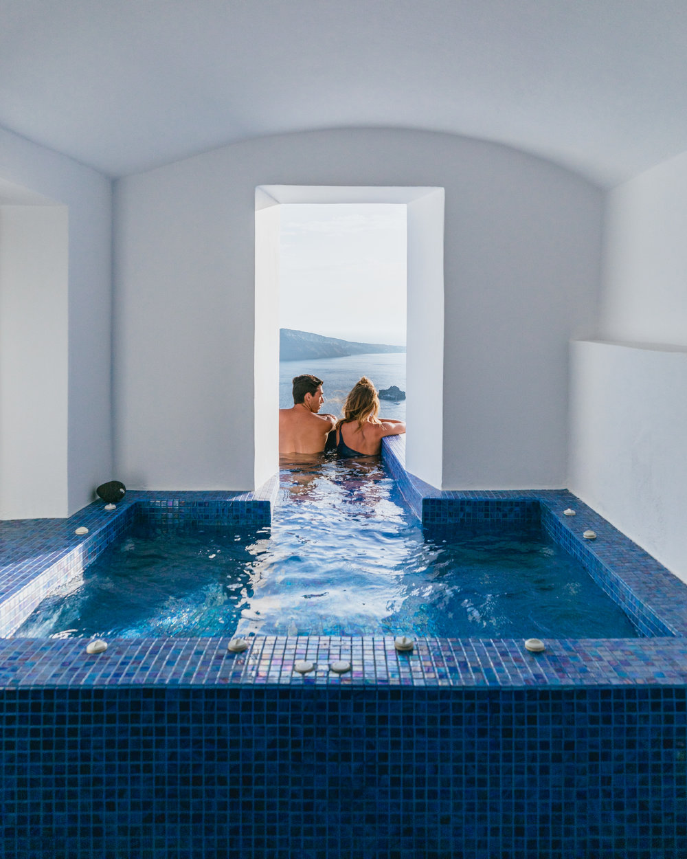 where to stay in oia santorini greece ikies hotel