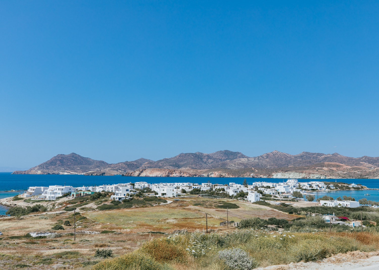 where to stay in milos greece