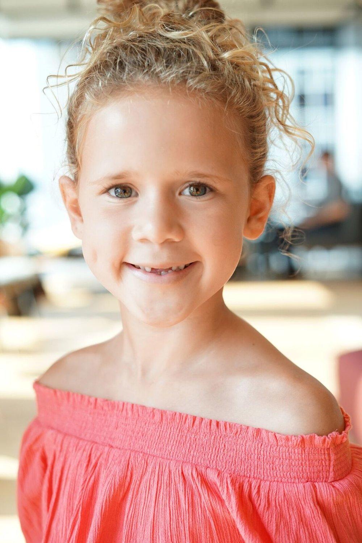 Olivia Ressor pic. 2.jpg