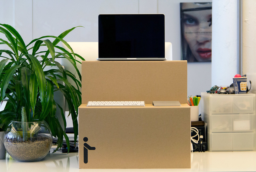 large_oristand-flat-cardboard-affordable-standing-desk-2.jpg