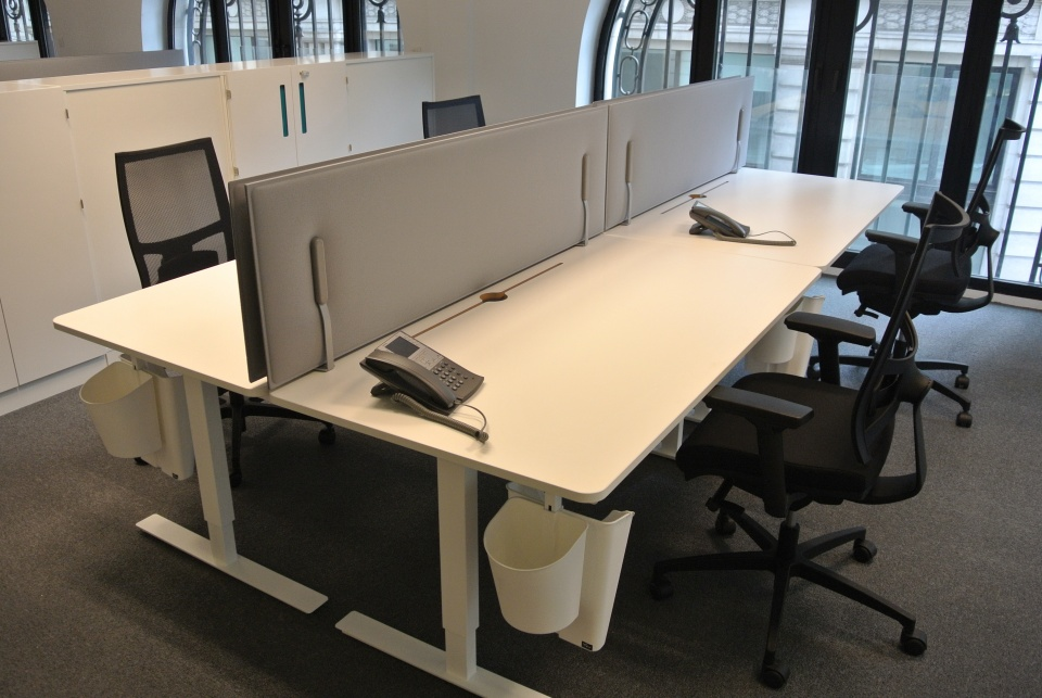 Mitesco desk panels in NASDAQ CALL CENTER.JPG