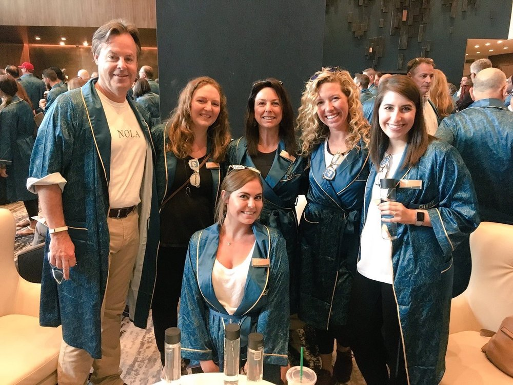 DIRTT Rockin' the DIRTT robes! #DIRTTconnext #PartnerDay pic.twitter.com/xobPanA3sE Jun 10, 2017, 7:01 AM