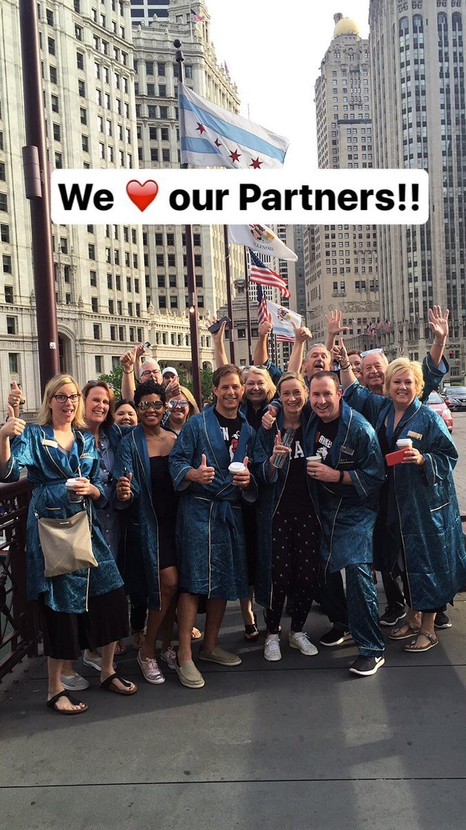 ScottRJenkins Parading with our Partners through downtown #Chicago with the DIRTT team! #DIRTTconnext Partner Day has officially begun! pic.twitter.com/KVKrQRLujx Jun 10, 2017, 7:44 AM