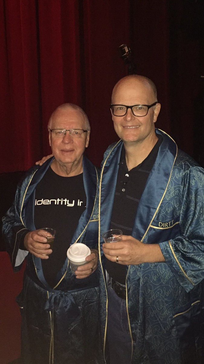 DIRTT DIRTT founders Mogens & Geoff minutes before the Partner Day show begins at the @ChicagoTheatre. Here we go! #DIRTTconnext #partnerday pic.twitter.com/eiTl378fqe Jun 10, 2017, 8:04 AM