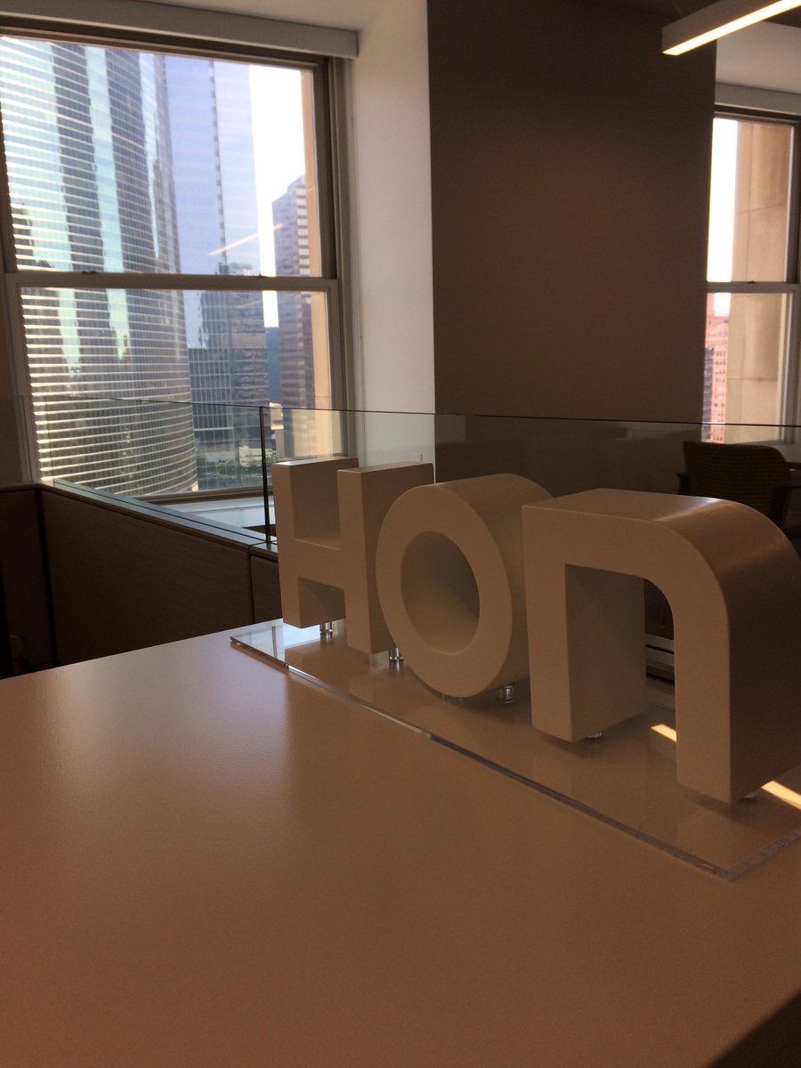 honcompany  It's a hot morning in Chicago, but the HON showroom has some cool furniture! Come chill out in Suite 1130 #NeoCon17 pic.twitter.com/wB5GF4skXT  Jun 12, 2017, 8:26 AM