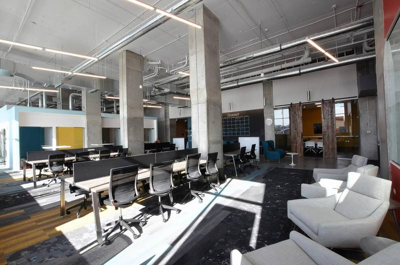 teknion Our desks helped @25NCoworking create a culture of growth & collaboration in a shared #workplace bit.ly/2rhhRny @dailyherald Jun 22, 2017, 7:45 AM