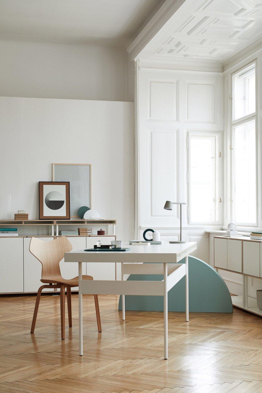 bene-studio-london-modular-workspace-system-furniture-design-promotion_dezeen_2364_col_2-1704x2556.jpg