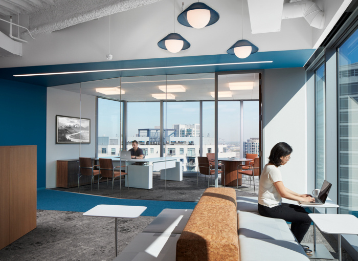 camping-world-offices-chicago-8-700x510.jpg