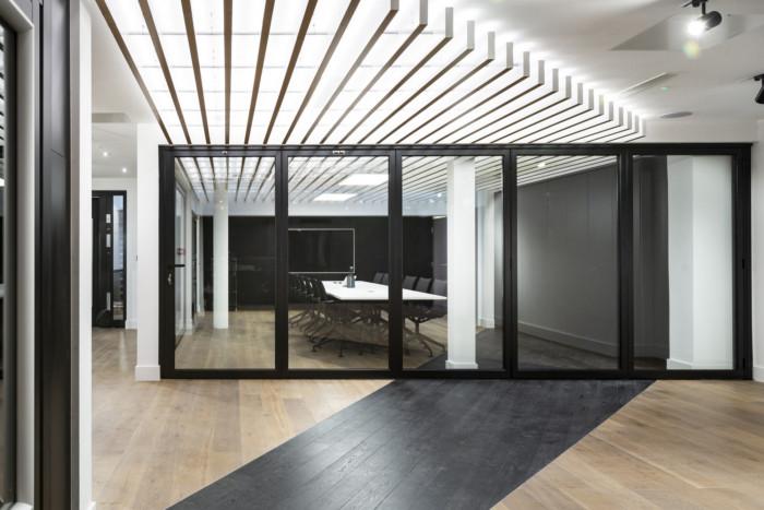 schuco-offices-showroom-london-8-700x467.jpg