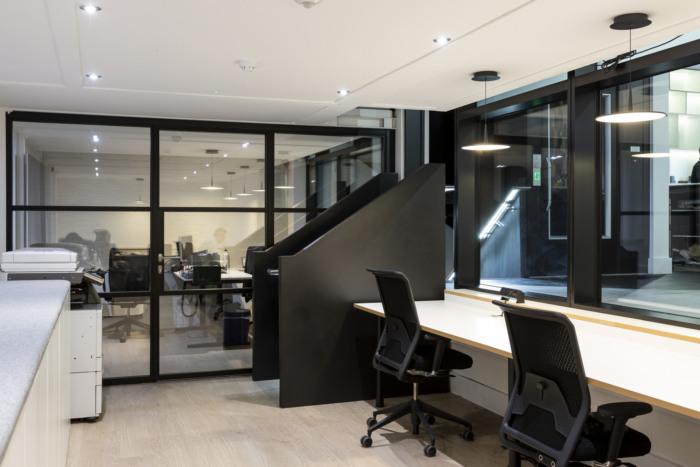 schuco-offices-showroom-london-12-700x467.jpg