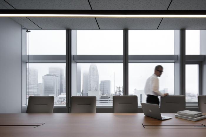 lumine-offices-tokyo-13-700x467.jpg