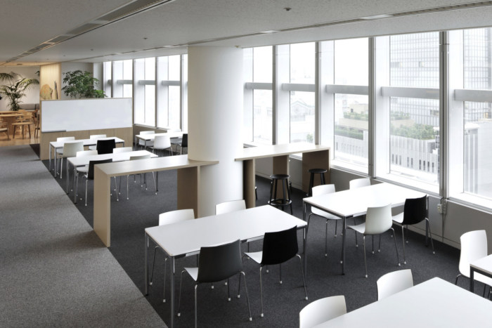 lumine-offices-tokyo-11-700x467.jpg