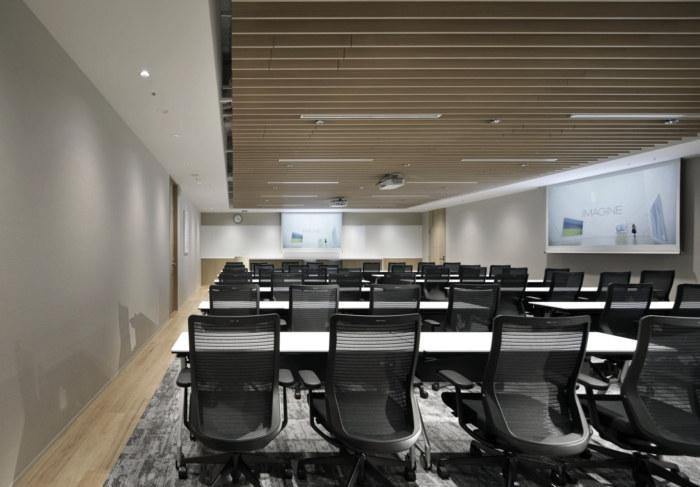 lumine-offices-tokyo-12-700x487.jpg