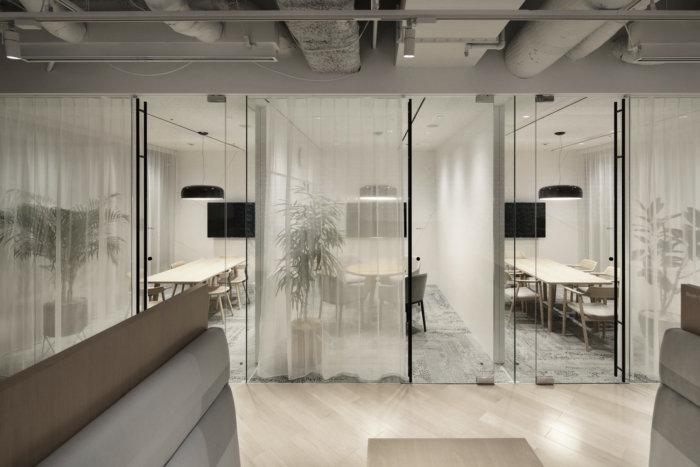 lumine-offices-tokyo-8-700x467.jpg