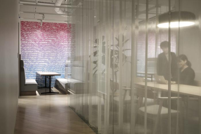 lumine-offices-tokyo-9-700x467.jpg