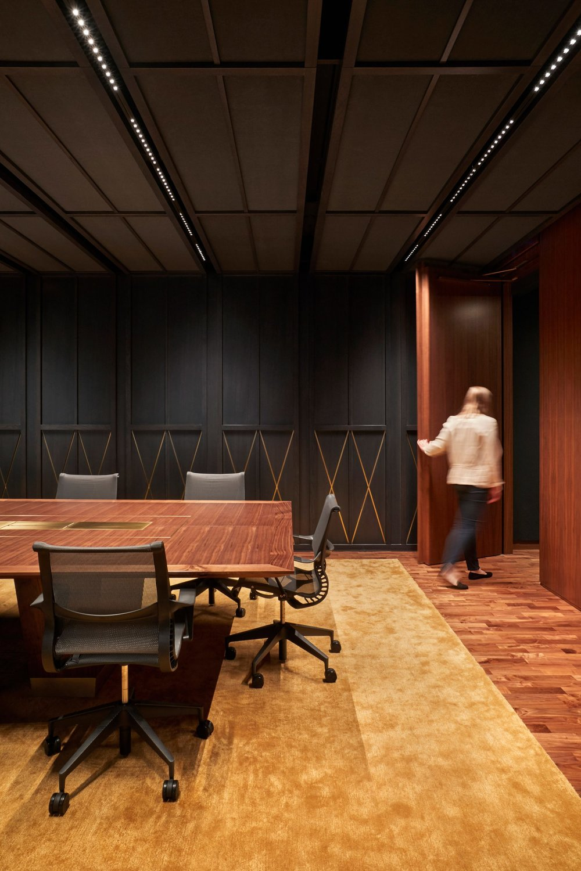 expensify-zgf-interiors-office-portland-oregon-usa_dezeen_2364_col_8-1704x2556.jpg