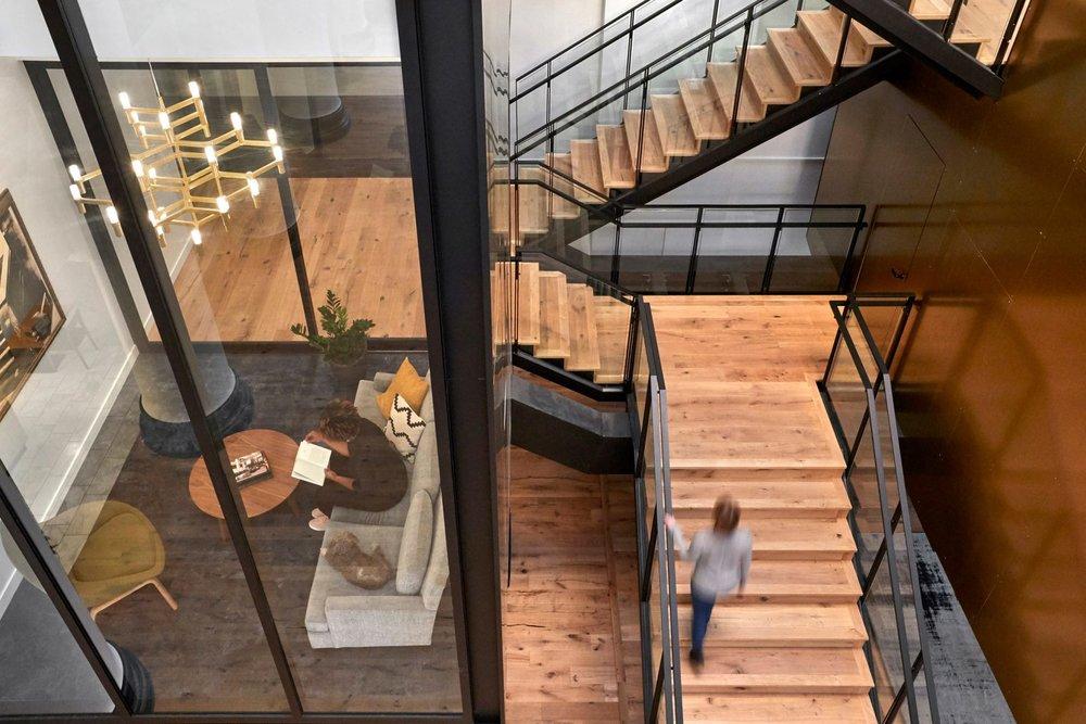 expensify-zgf-interiors-office-portland-oregon-usa_dezeen_2364_col_5-1704x1136.jpg