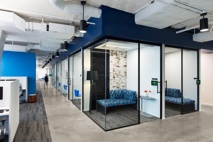 accenture-cyber-fusion-center-offices-arlington-4-700x467.jpg