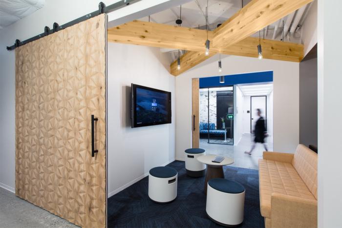 accenture-cyber-fusion-center-offices-arlington-2-700x467.jpg