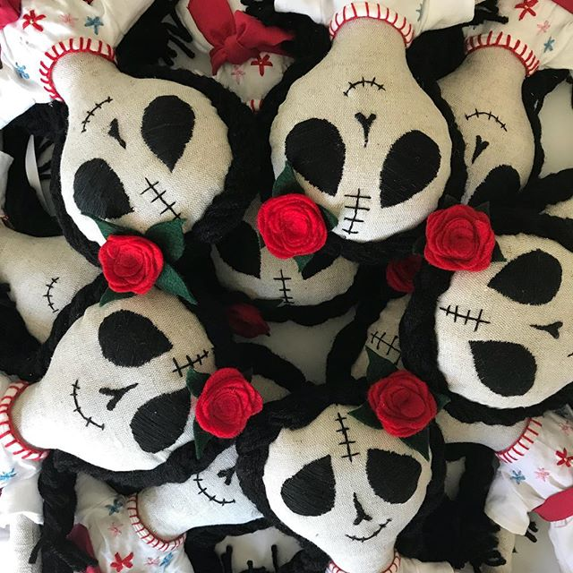 Ready to ship out!! #diadelosmuertos #calavera #polkadotpeanutparade #happyhalloween #💀🥀