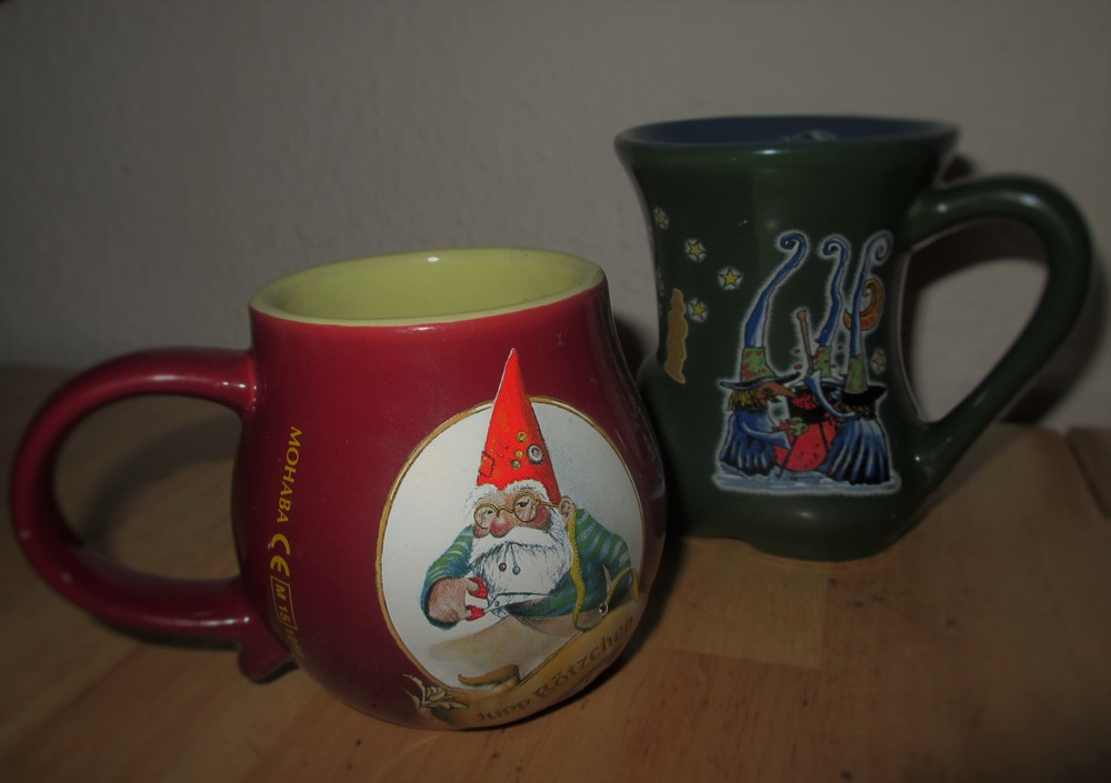 Glühwein mugs from the Weihnachtsmärkten in Köln-Heumarkt (front)and Aachen (back)