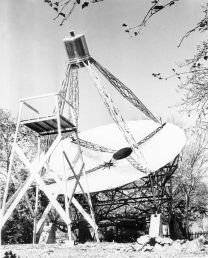 Grote Reber's first radio telescope in Wheaton, IL, c. 1937 (NRAO/AUI)